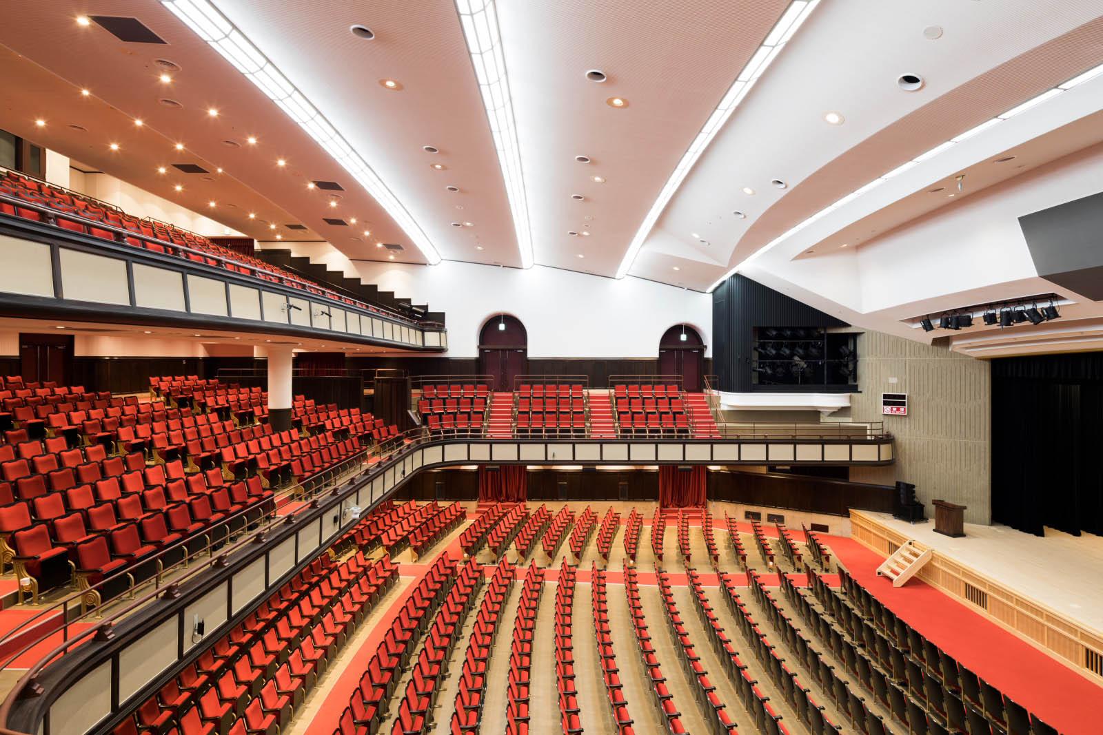 名古屋市公会堂 大ホール(リニューアル)|コトブキシーティング株式会社
